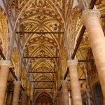 内部の装飾はすばらしい。