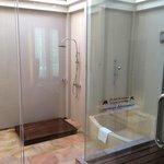 presidential suite - outdoor bathroom