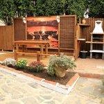 Jardín con barbacoa y cenador Pradina II
