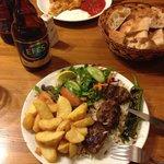 Deliciosa comida turca en este lugar. Además atendido por su dueño.