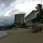 Vista del hotel desde la playa !!