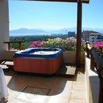 Grand Suite Hot Tub