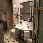 Serenidad's bathroom
