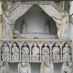 Il sepolcro di Maria d'Ungheria, opera di Tino di Camaino