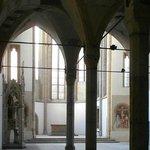 L'ingresso alla chiesa vecchia