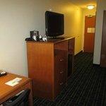 Nice work desk area and dresser
