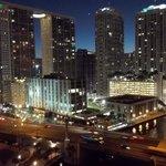 vista noturna de downtown