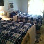 Suite B bedroom