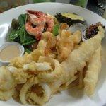 صورة فوتوغرافية لـ CJ's Good food