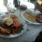 Rocoto relleno y Cerdo (Doble de la casa) y Chuleta de cerdo con frejolada