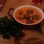 Roasted mushroom and tomato fondue starter!! Yummy :-)