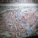 Crypte Archeologique - ancient city maps