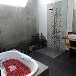 Villa Santun Bathroom V