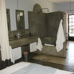 Great shower / bath
