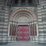 L'ingresso della cattedrale