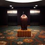 Лифты на этаже..!