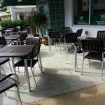 restaurant alterno al lado del hotel