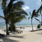 spiaggia davanti il resort