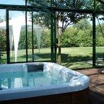 idromassaggio con vista giardino
