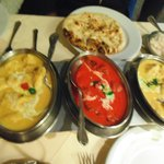 Curry dishes and Naan bread