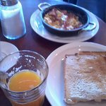 Café da Manhã oferecido com desconto no bar El Barista