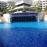view into the swim up bar!