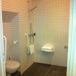 Superior bathroom Room 20