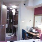 bathroom/room