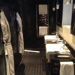 room 807 bathroom