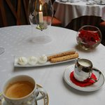 Coffee and complimentary pâtisseries
