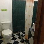 Toilette + Dusche