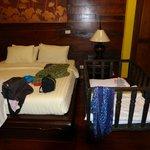 Auch ein Babybett ist vorhanden
