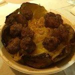 Patata con verza, formaggio caprino e salsiccia: squisita!