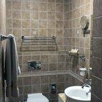 H General Prague-Bathroom