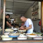 Old sifu is preparing food.