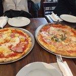 本格派ピザ、大きさは日本で言うとLLサイズ!!