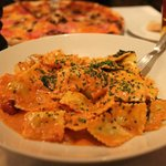 Spinaci Ravioli in lobster sauce