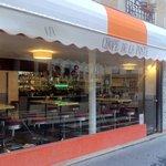 Brook's cafe