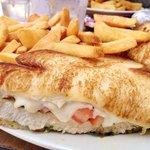 青醬雞肉三明治