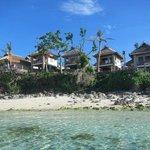 Vista dei bungalow dall'oceano