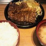 ボリュームのあるステーキ定食