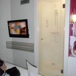 Télé et douche