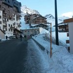 Chalet des Neiges Uphill View