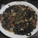 Spaghetti Neri con salsa roja de calamares!