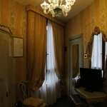 Single room n.701. In the picture the room looks small, but enough to open a big suitcase.
