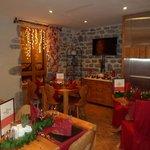 salle typiquemement montagnard,tres jolie