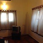 Bedroom; old tv/ aircon