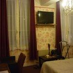 Интерьер комнаты гостиницы (номер 9)