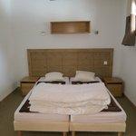 Chambre 2 - avec salle de douche attenant 2 lits simple ou 1 lit double