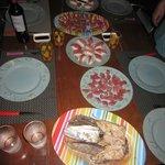 der von uns gefangende frische Fisch von Marto direkt zu Sushi verarbeitet